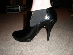 """new 4 1/2"""" heeld ankle boots"""