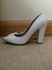 F & F (Tesco) whit block heel court shoes